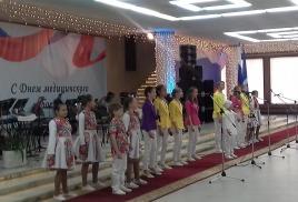 Соловушка в БЗЛМ поздравляет Врачей области